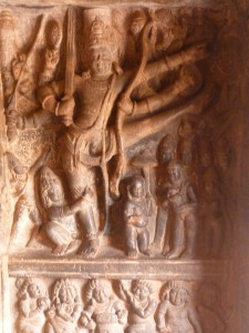 Badami : Trivikrama conquiert la Terre et le Ciel en deux pas